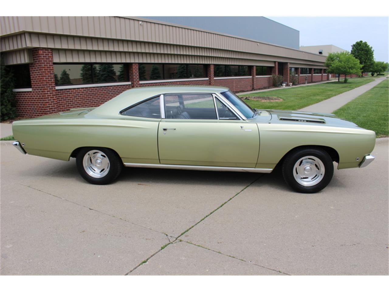 Large Picture of Classic 1968 Road Runner - $29,900.00 - K01F