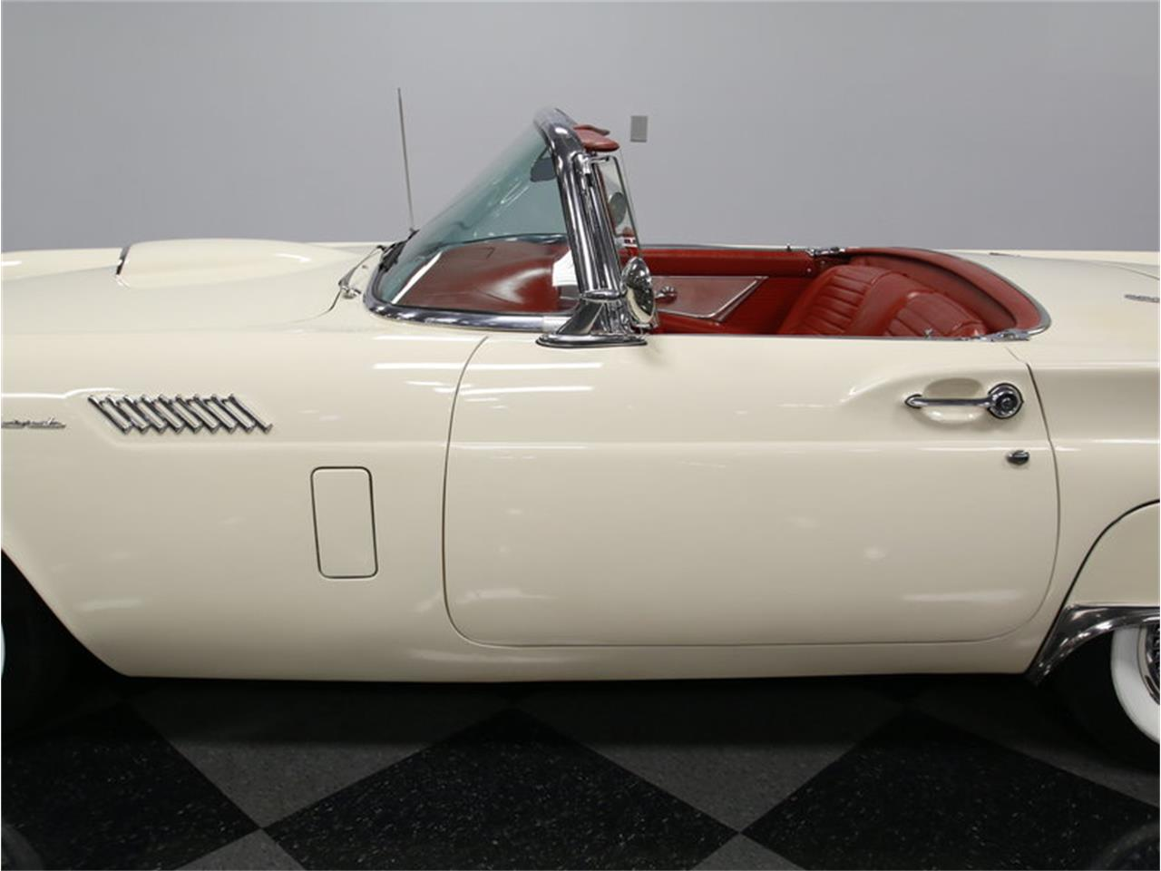 Large Picture of '57 Thunderbird - K09V