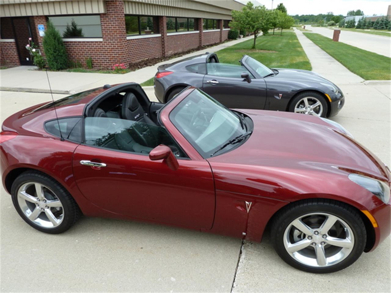 Large Picture of '10 Pontiac Solstice Offered by More Muscle Cars - JXMD