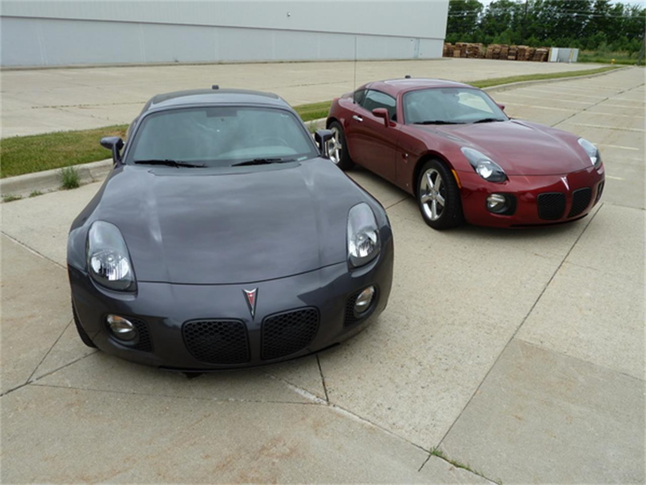 Large Picture of 2010 Pontiac Solstice Offered by More Muscle Cars - JXMD