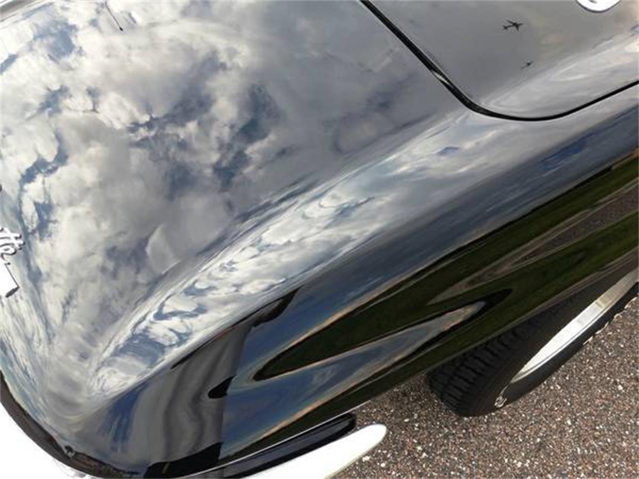 Large Picture of Classic '64 Chevrolet Corvette - JY5R