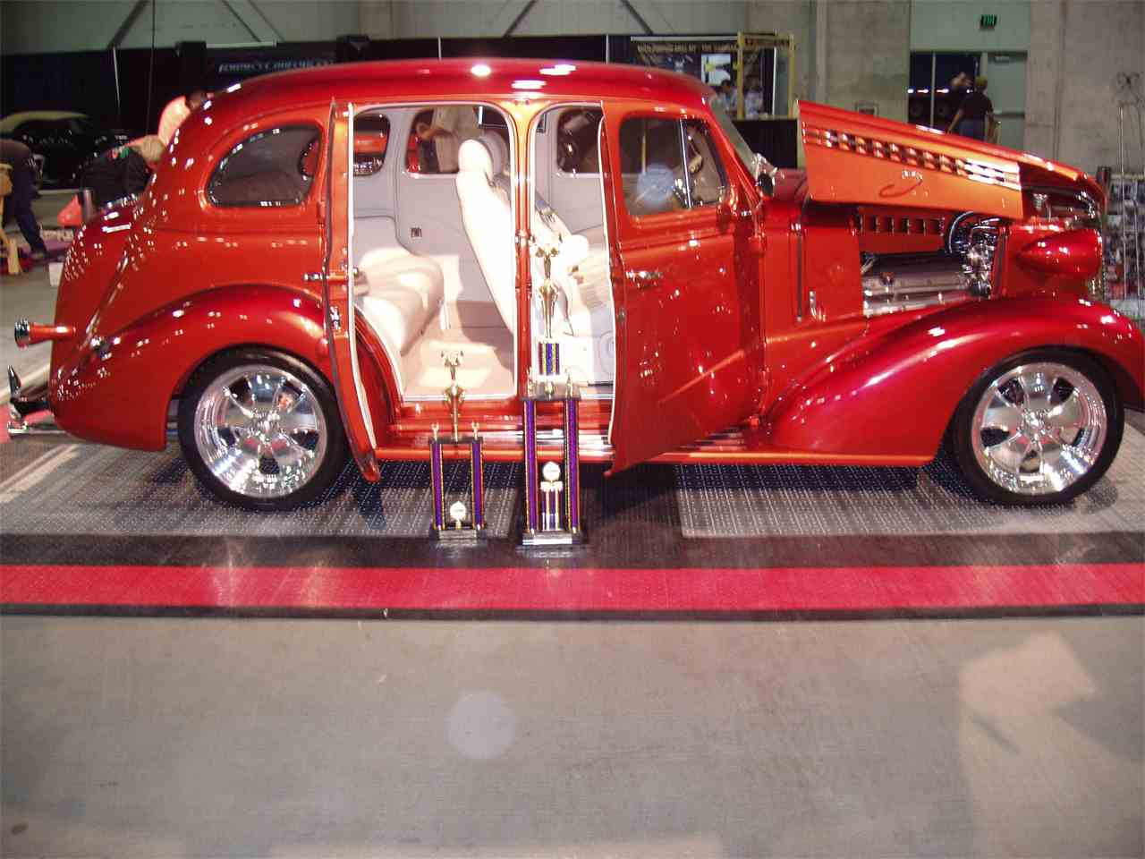 Large Picture of 1938 Chevrolet Sedan - K3CQ