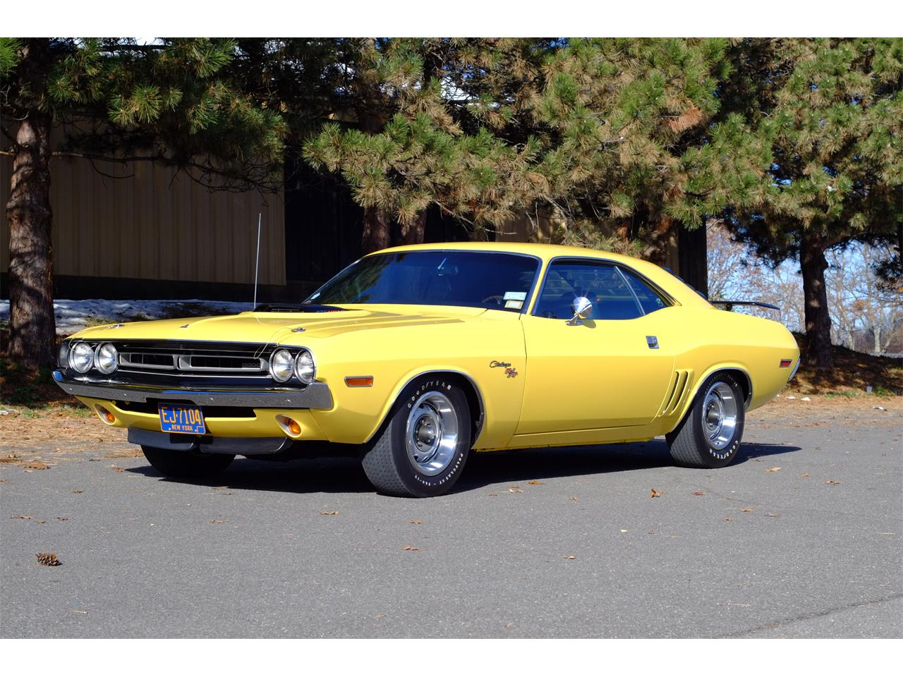 Large Picture of Classic '71 Dodge Challenger R/T 426 Hemi - JY6E