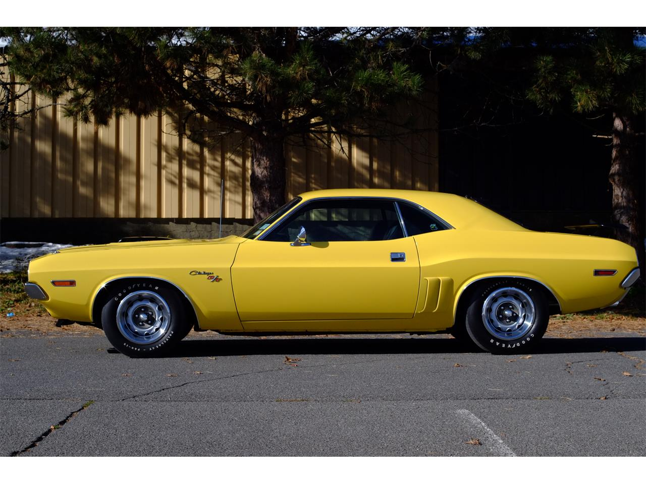 Large Picture of Classic 1971 Dodge Challenger R/T 426 Hemi located in New York Offered by Automotion - JY6E