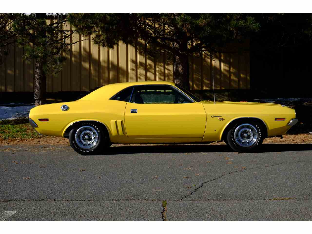 Large Picture of '71 Challenger R/T 426 Hemi - JY6E
