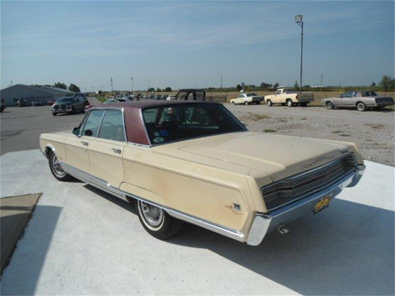 Large Picture of '68 New Yorker - K410