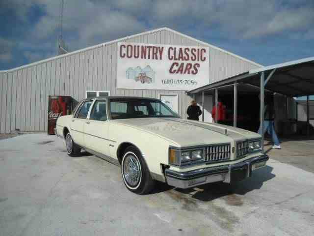 Picture of '81 Oldsmobile Delta 88 located in Illinois Offered by  - K427