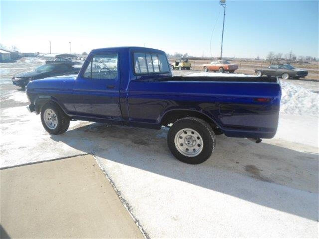 Large Picture of '77 Ford F150 located in Illinois Offered by Country Classic Cars - K42I
