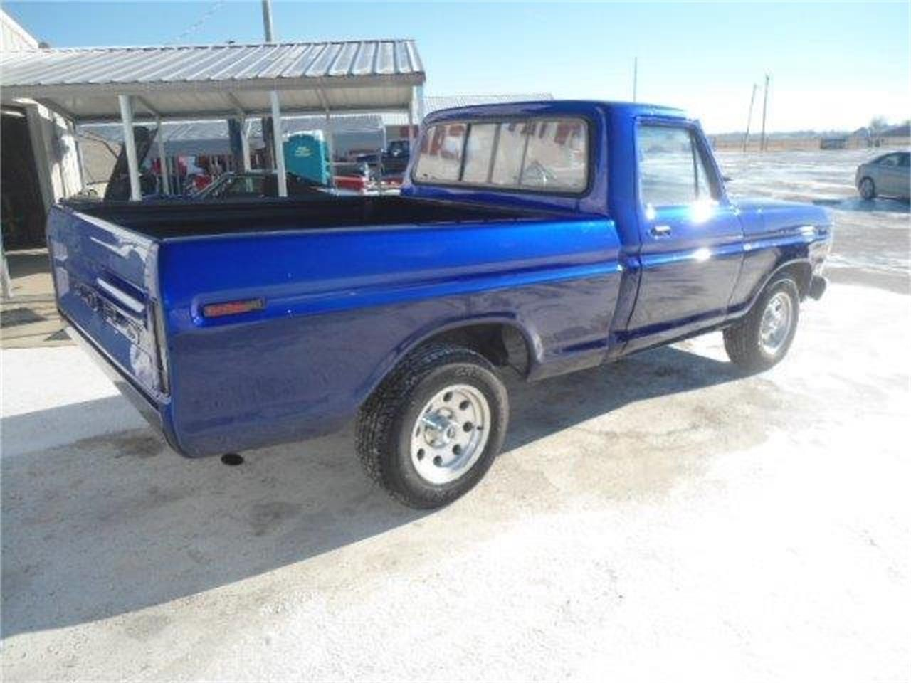 Large Picture of 1977 Ford F150 located in Illinois Offered by Country Classic Cars - K42I