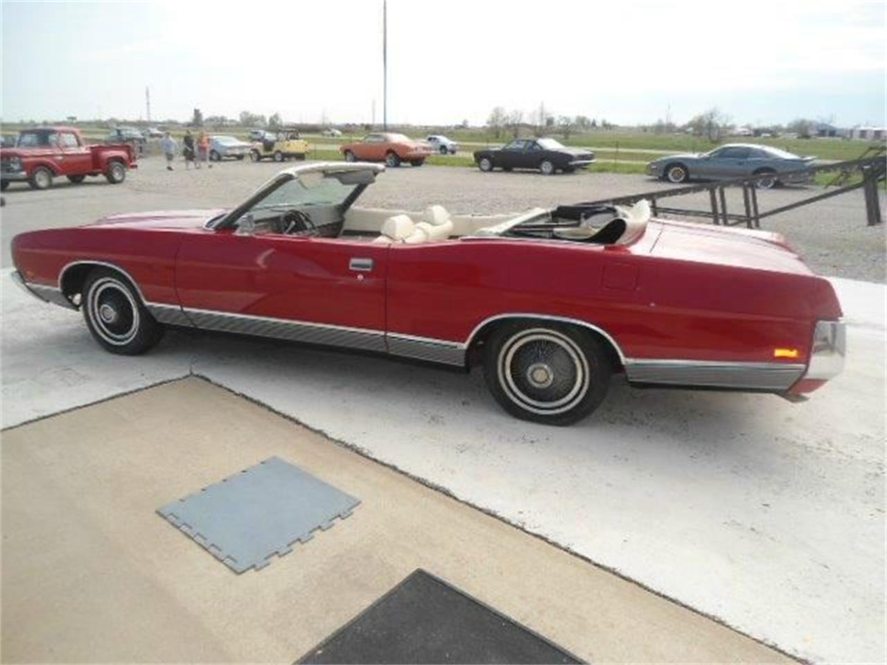 Large Picture of Classic '72 Ford LTD Offered by Country Classic Cars - K436