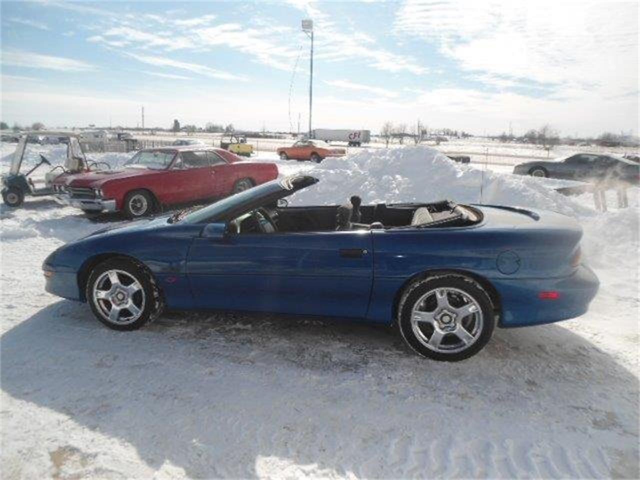 Large Picture of '95 Chevrolet Camaro - $7,950.00 Offered by Country Classic Cars - K44B
