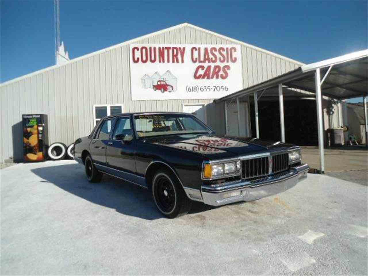 Large Picture of 1986 Pontiac Parisienne located in Staunton Illinois - $4,950.00 - K46K