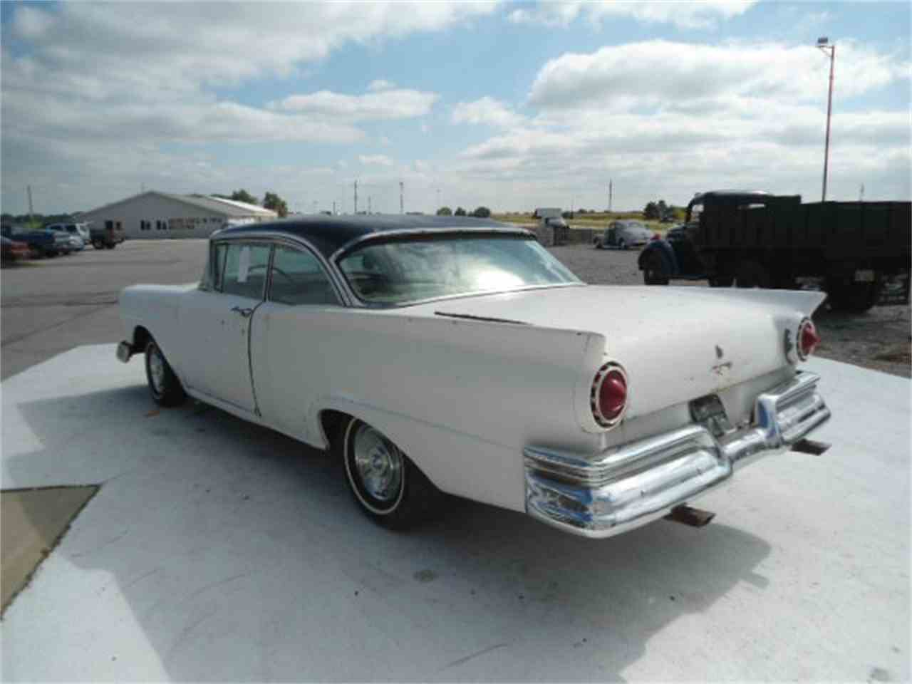 Large Picture of '57 Fairlane 500 - K489