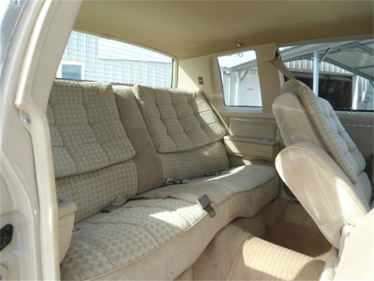 Large Picture of '81 Oldsmobile Delta 88 located in Illinois Offered by Country Classic Cars - K48I