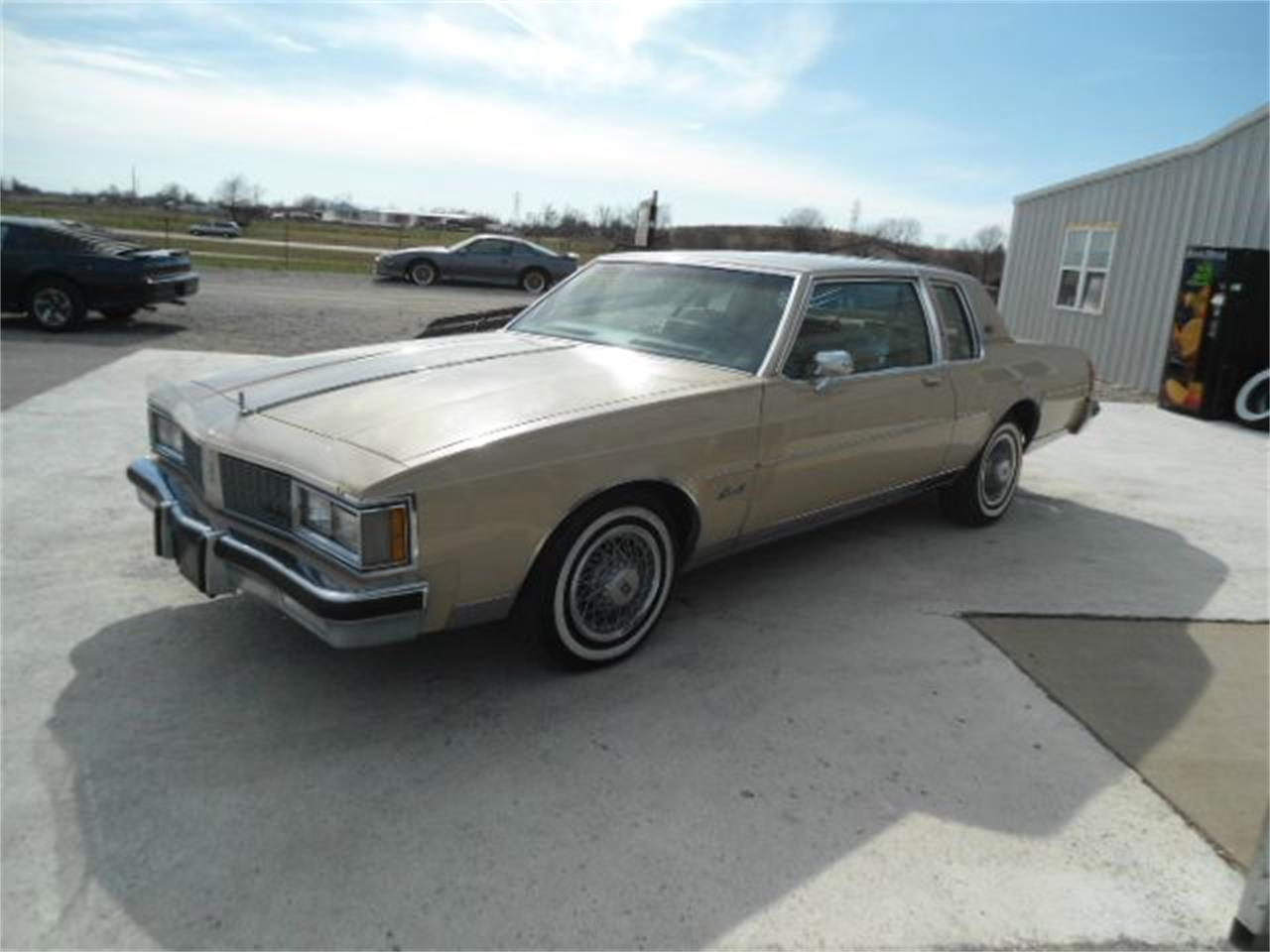 Large Picture of '81 Delta 88 located in Illinois Offered by Country Classic Cars - K48I