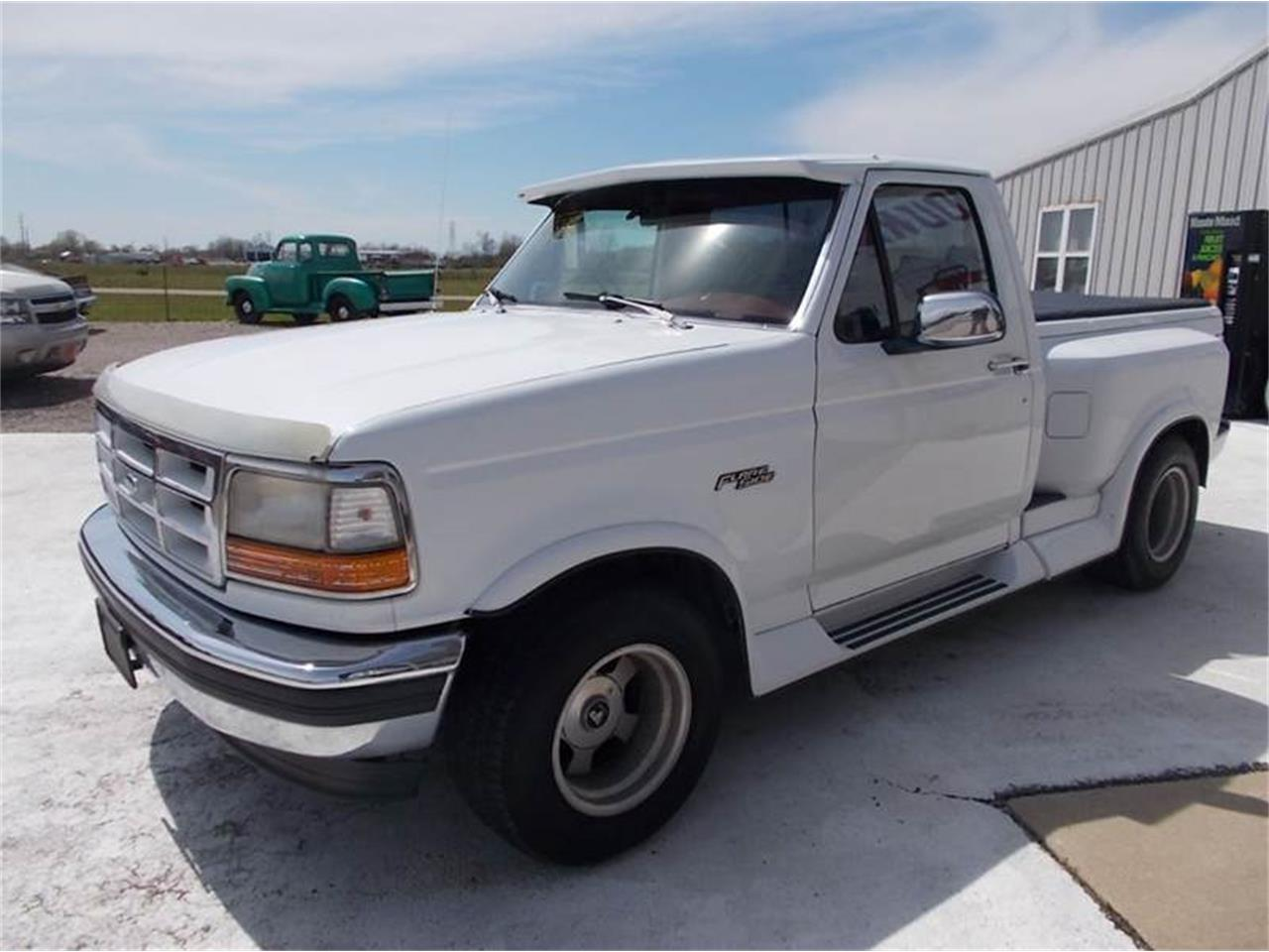 Large Picture of '93 F150 located in Illinois Offered by Country Classic Cars - K4CC