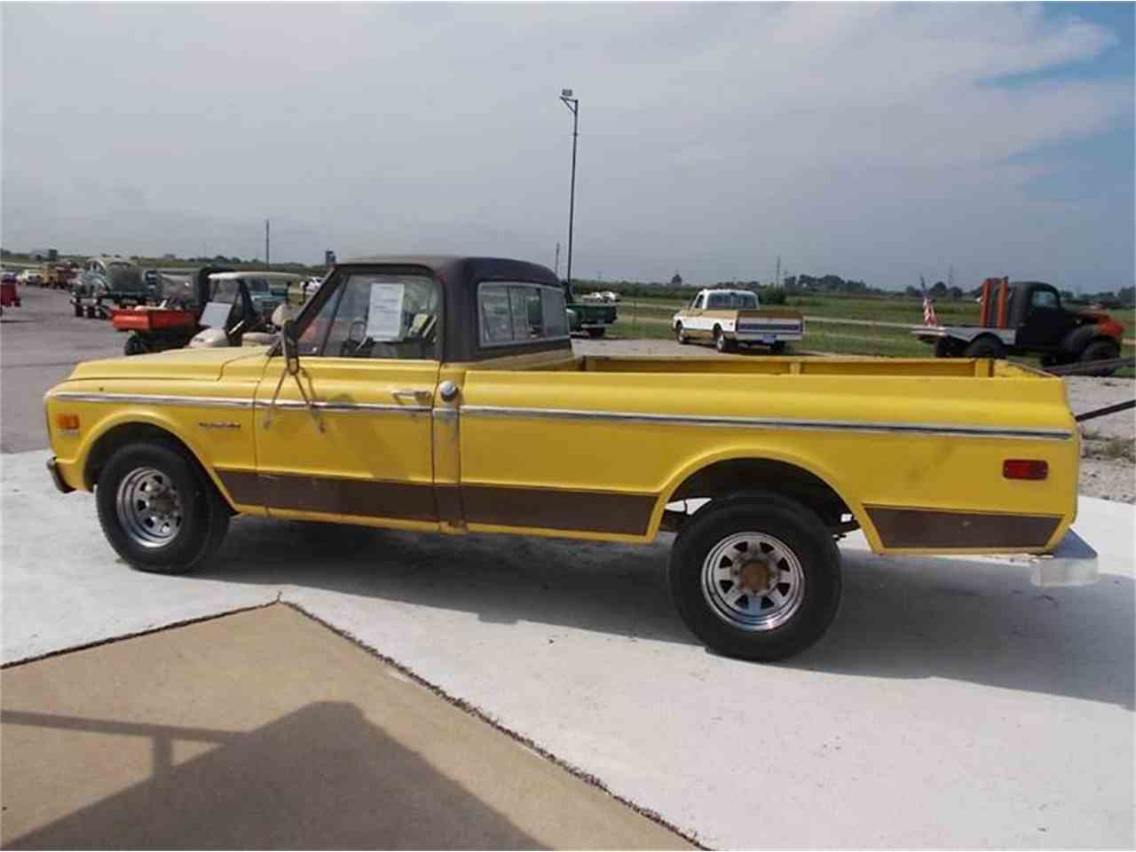 Large Picture of '71 C/K 20 located in Staunton Illinois - $7,950.00 Offered by Country Classic Cars - K4FP