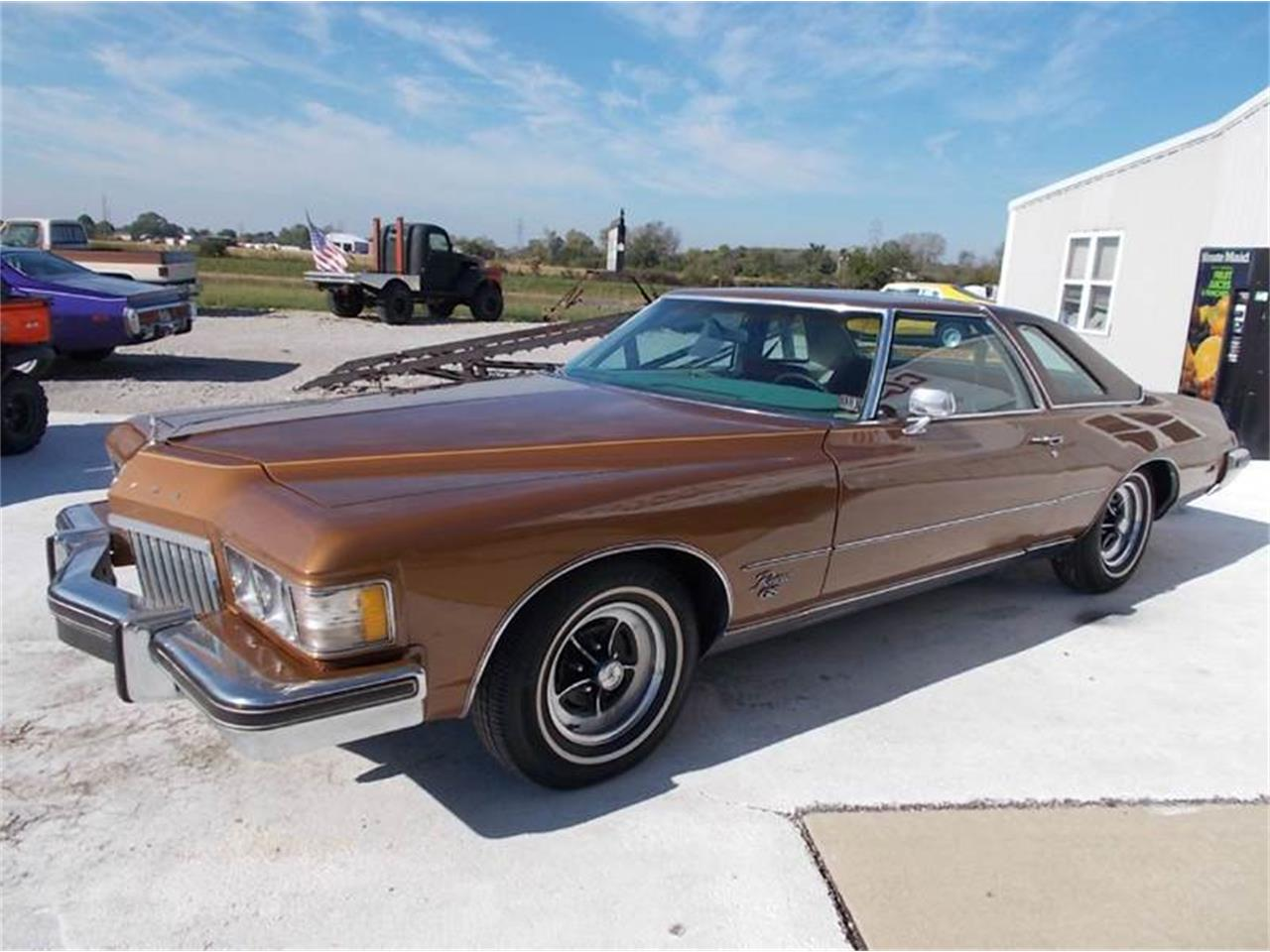 Large Picture of '74 Riviera - K4GM