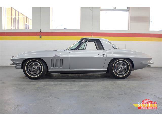 Picture of Classic 1966 Corvette located in Montreal Quebec - K5GQ