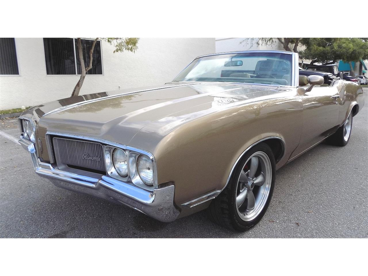 Large Picture of Classic '70 Cutlass Supreme Offered by Cool Cars - K8LC