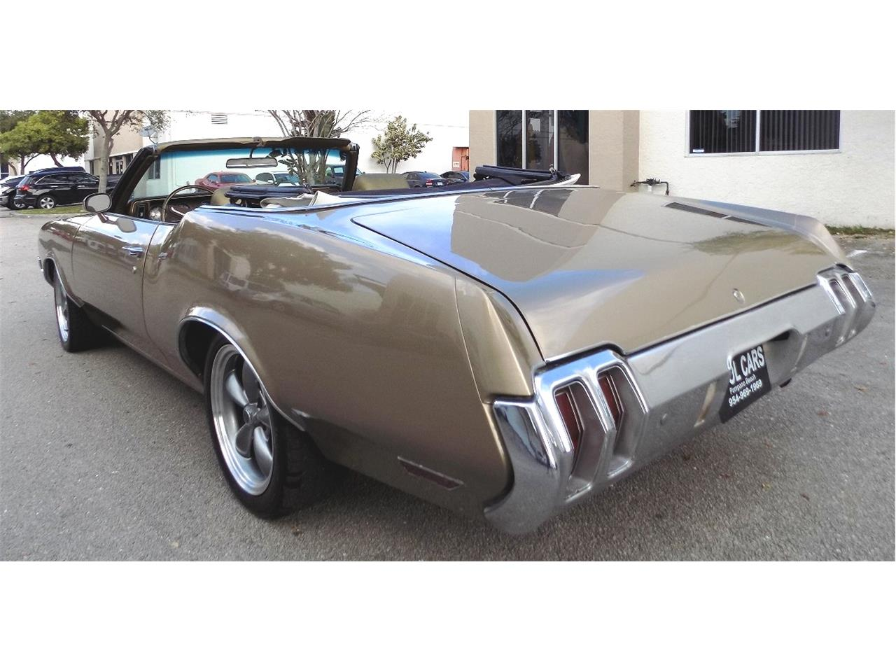 Large Picture of '70 Cutlass Supreme Offered by Cool Cars - K8LC