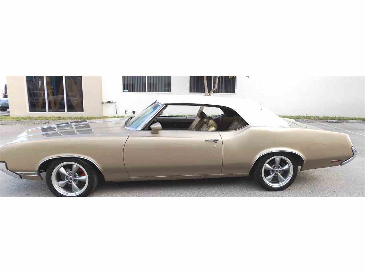 Large Picture of '70 Cutlass Supreme - K8LC