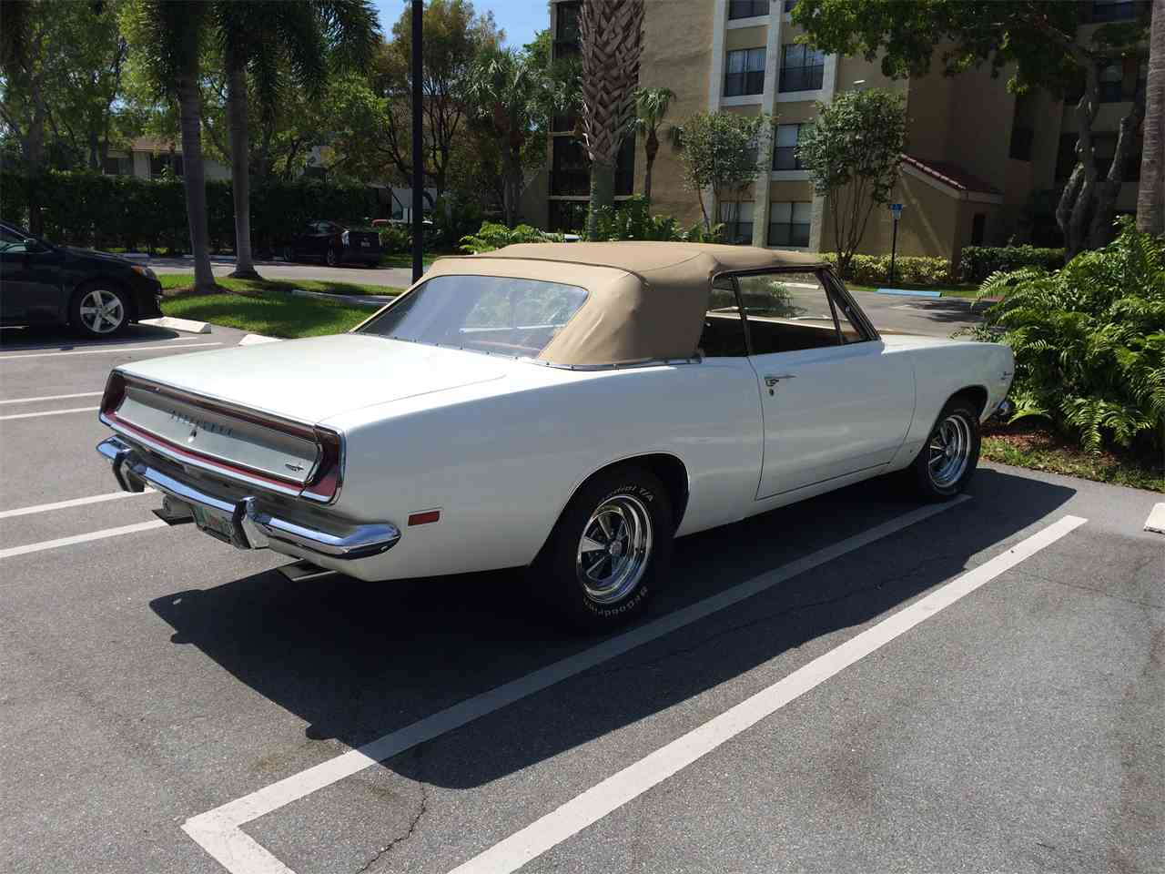 Large Picture of '69 Barracuda - K5N0