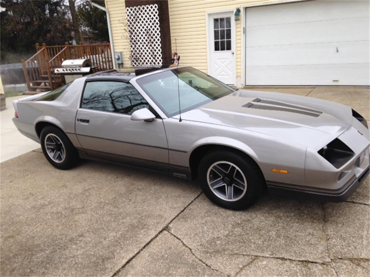Large Picture of 1984 Chevrolet Camaro Z28 - K8NU
