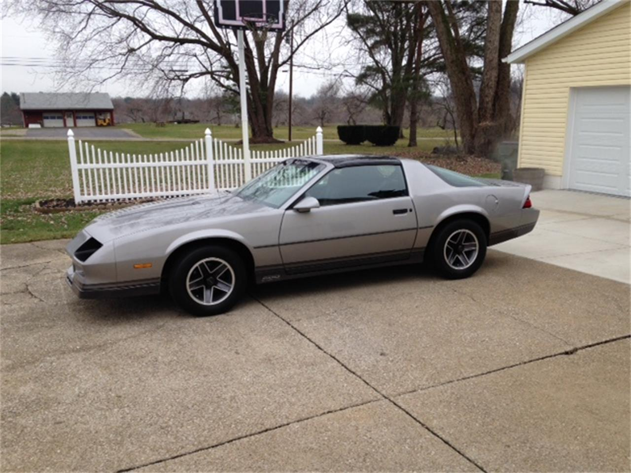 Large Picture of 1984 Chevrolet Camaro Z28 located in Ohio - K8NU