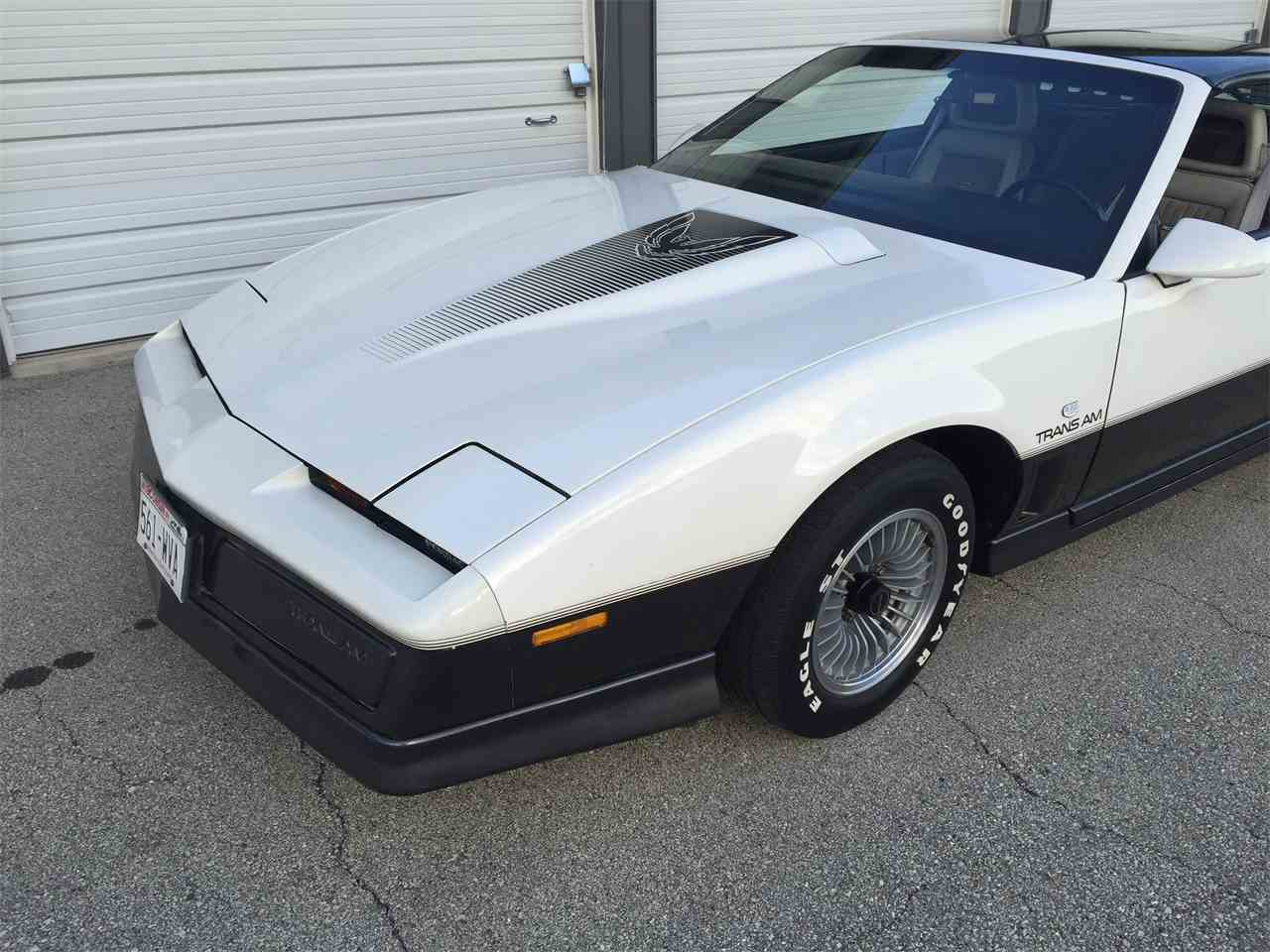 Large Picture of 1983 Pontiac Firebird Trans Am - $9,500.00 Offered by a Private Seller - K9W6