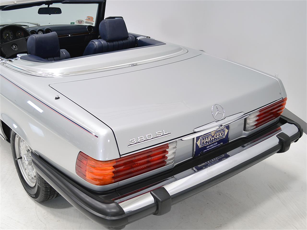 Large Picture of 1984 380SL located in Macedonia Ohio - KA2F