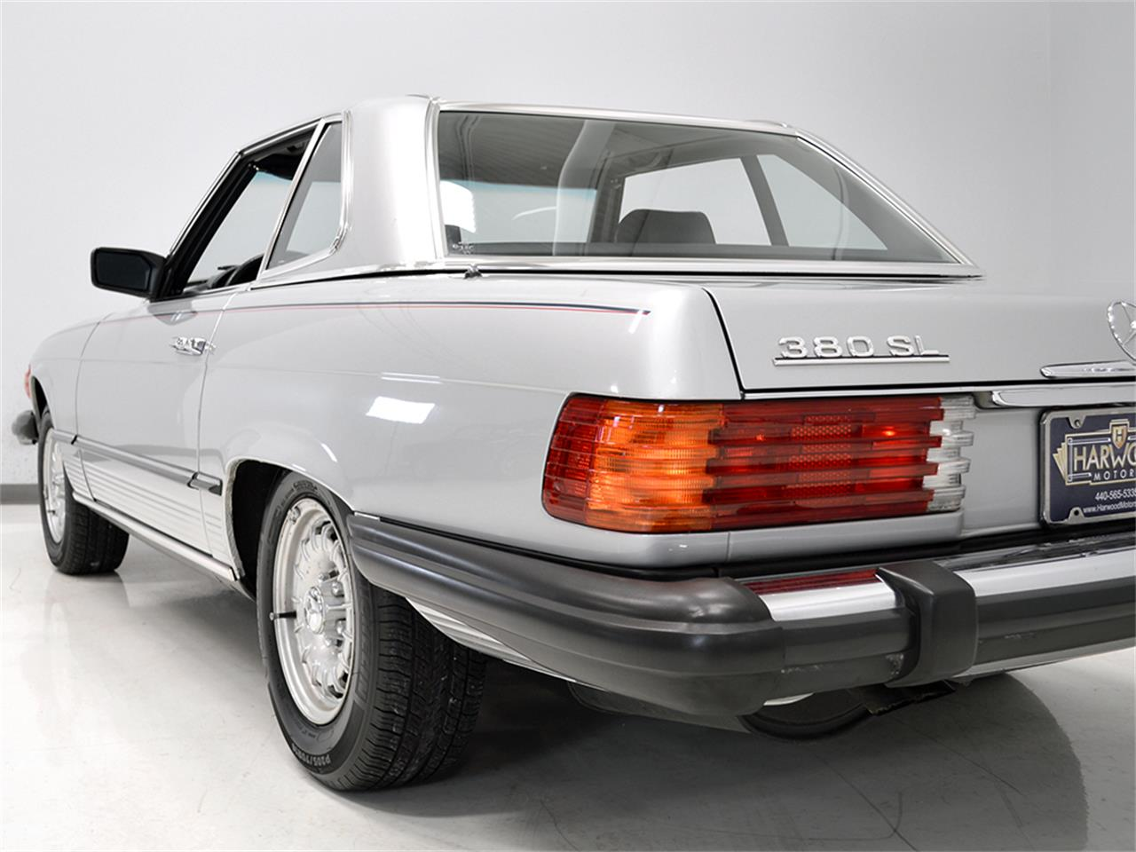 Large Picture of 1984 380SL located in Ohio - $17,900.00 Offered by Harwood Motors, LTD. - KA2F