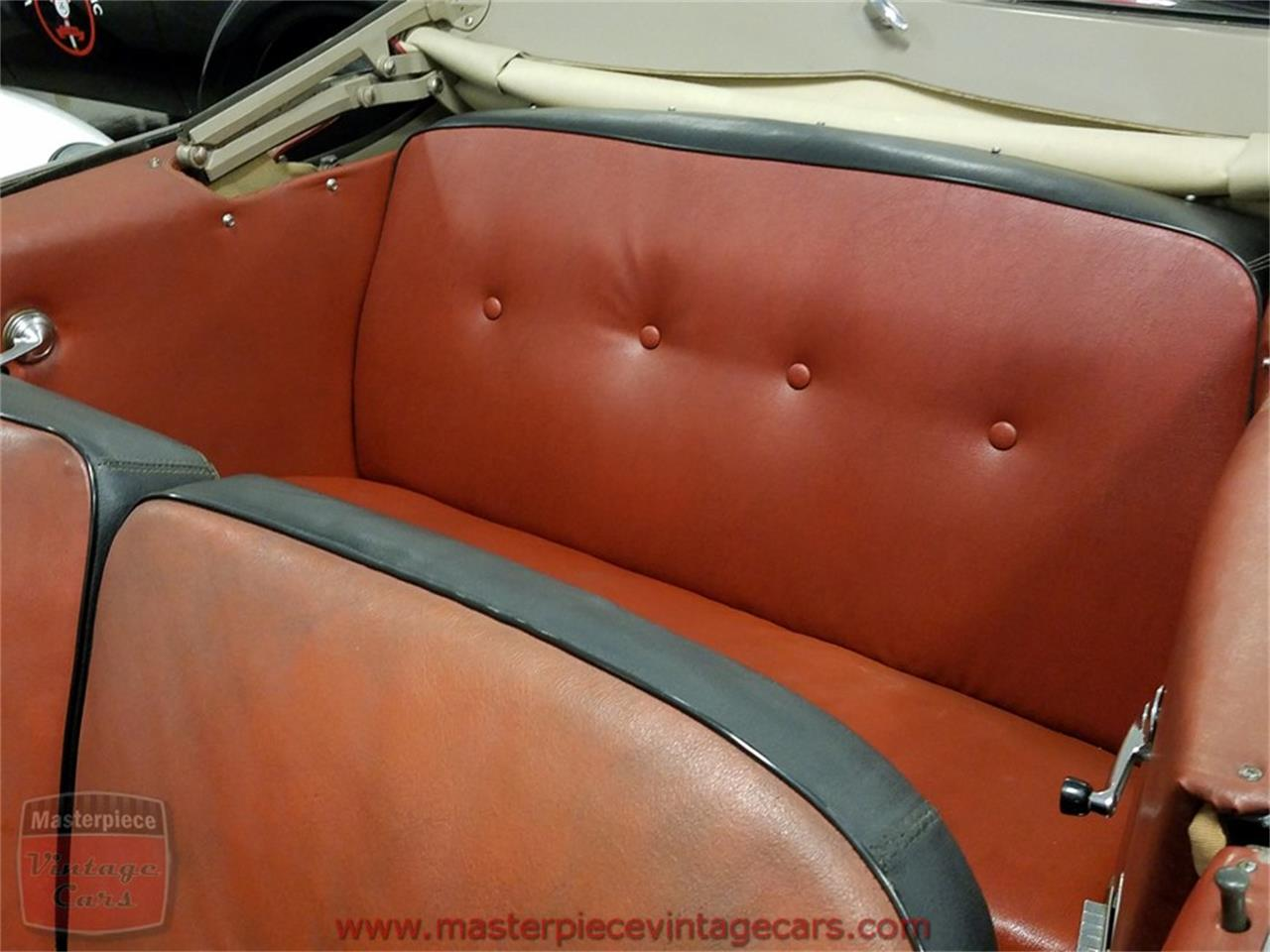 Large Picture of Classic 1951 Ford Convertible located in Whiteland Indiana - KAMX