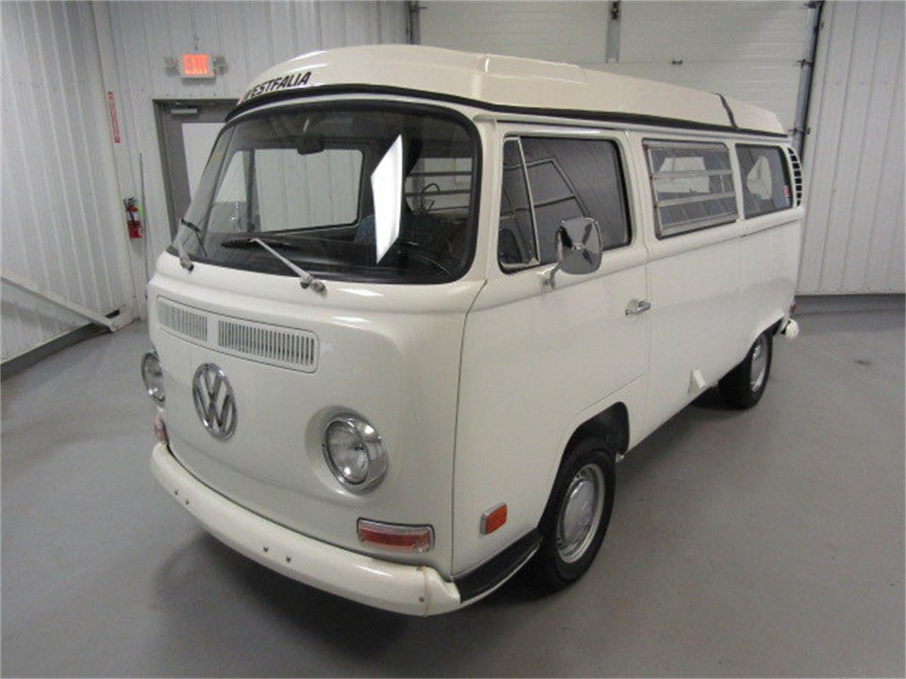 Large Picture of Classic '71 Volkswagen Bus located in Christiansburg Virginia - KARD