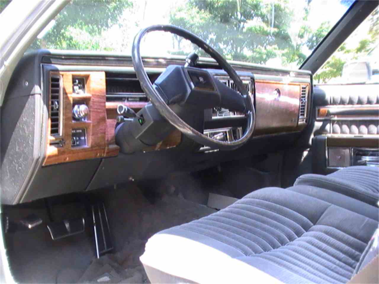 Large Picture of '83 Cadillac Coupe DeVille located in Illinois Offered by a Private Seller - KBYE
