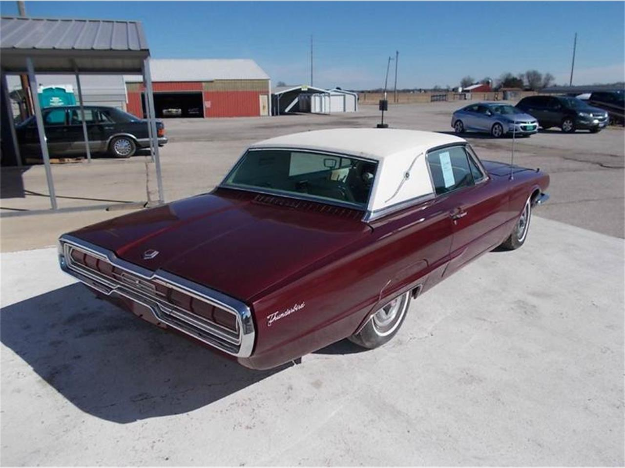 Large Picture of '66 Thunderbird - KD0O
