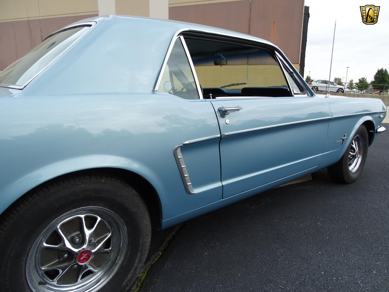 Large Picture of Classic '65 Ford Mustang located in O'Fallon Illinois - KDUO
