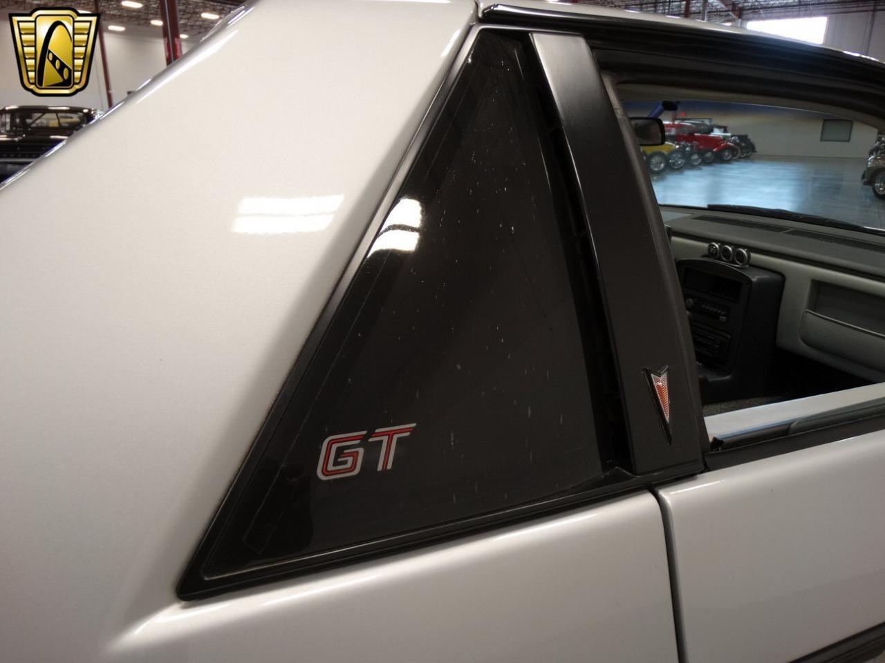 Large Picture of 1985 Fiero located in La Vergne Tennessee - KDWK