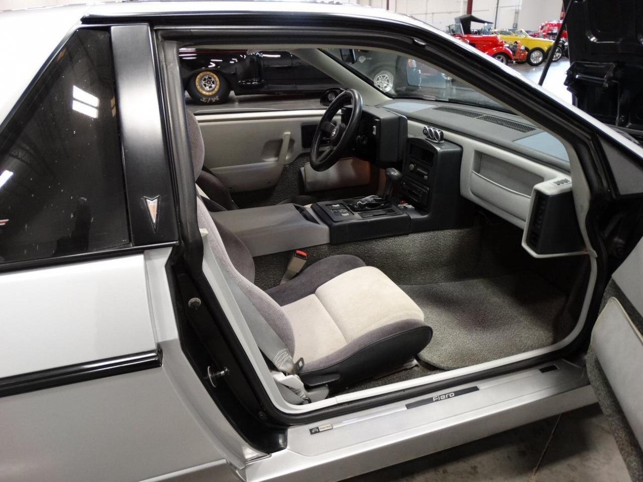 Large Picture of 1985 Fiero - KDWK