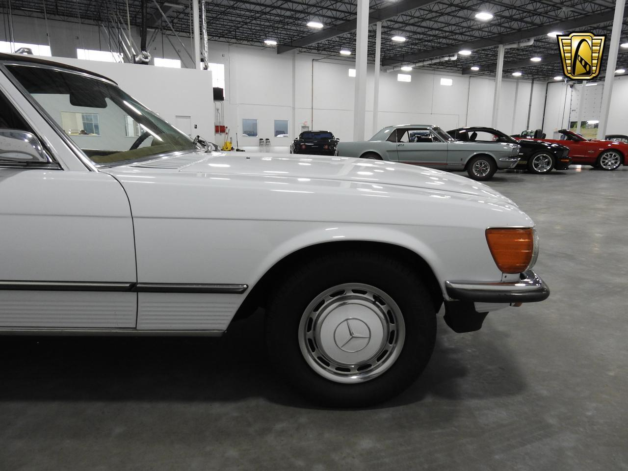 Large Picture of Classic 1973 450SL located in Kenosha Wisconsin Offered by Gateway Classic Cars - Milwaukee - KDYN
