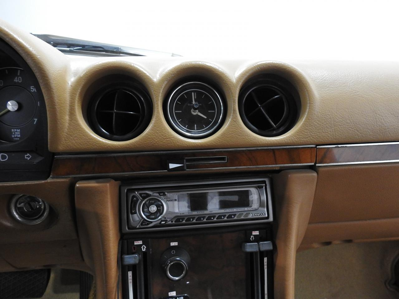 Large Picture of Classic 1973 450SL Offered by Gateway Classic Cars - Milwaukee - KDYN