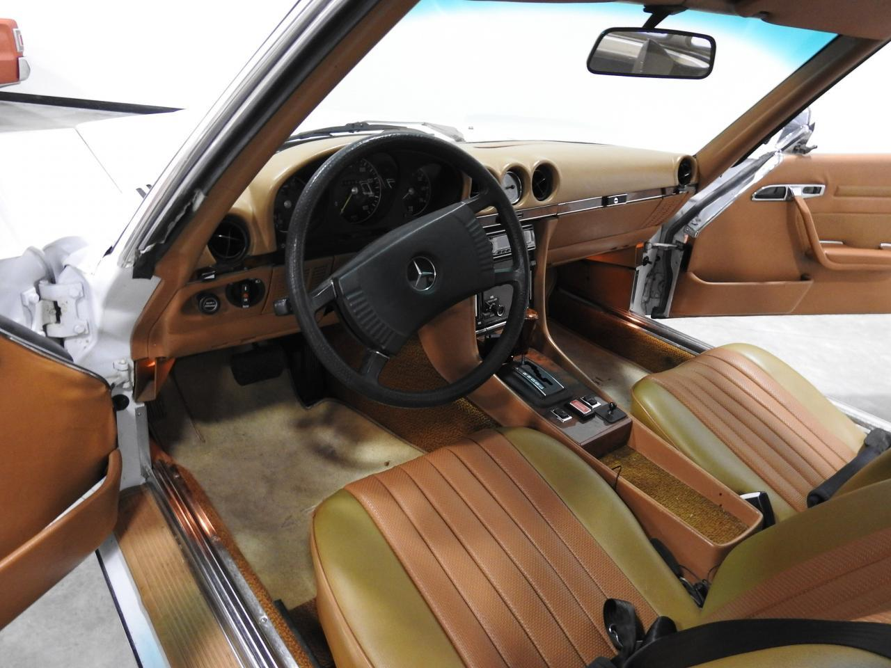 Large Picture of 1973 450SL located in Wisconsin - $13,595.00 Offered by Gateway Classic Cars - Milwaukee - KDYN