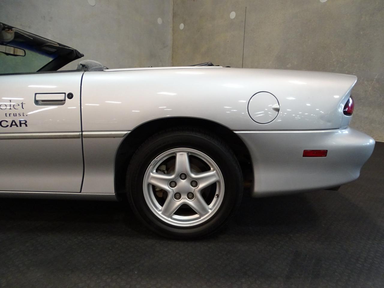 Large Picture of 1998 Camaro located in Ruskin Florida - KE0X