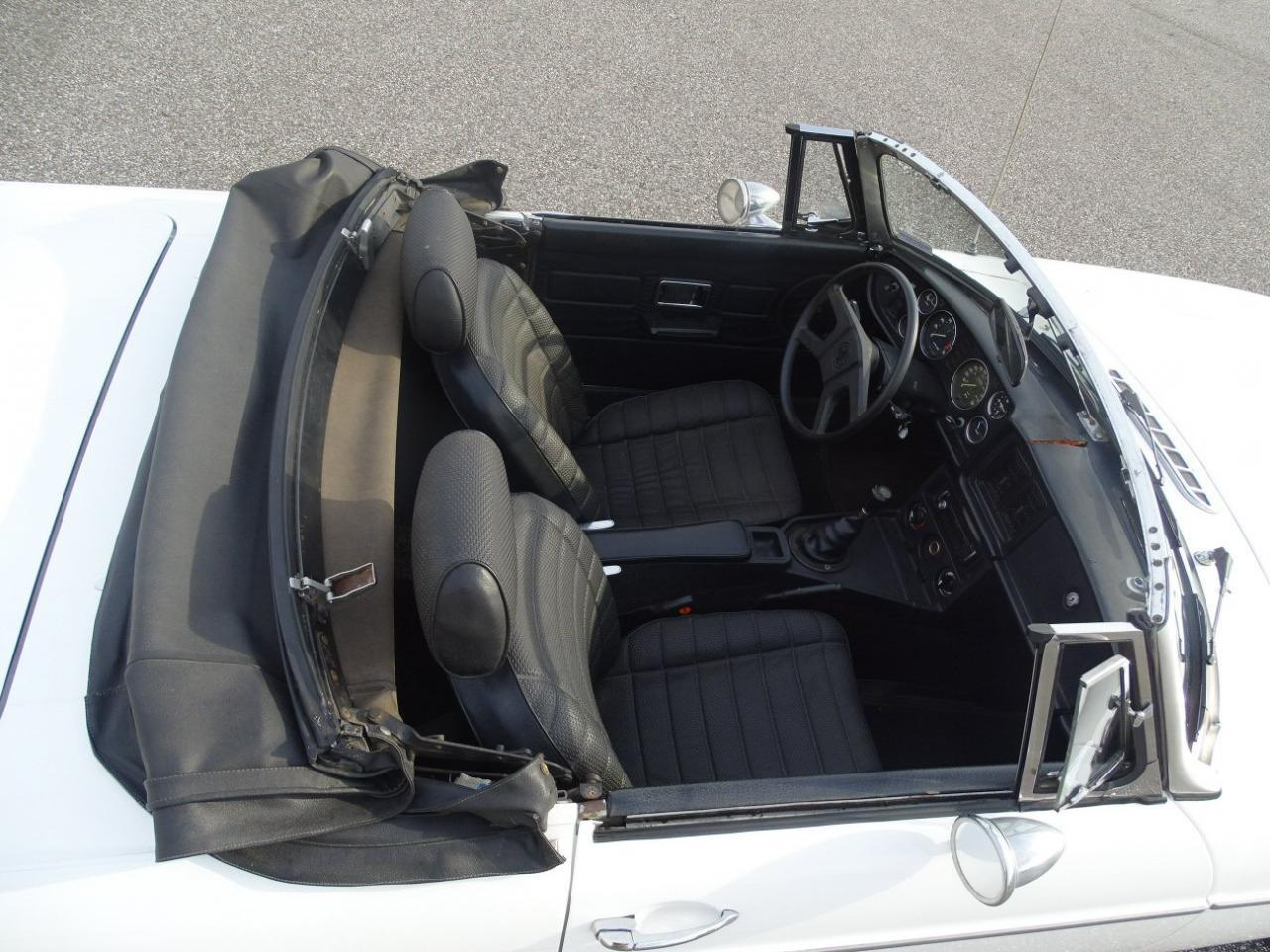 Large Picture of 1977 MGB located in Florida Offered by Gateway Classic Cars - Tampa - KE1K