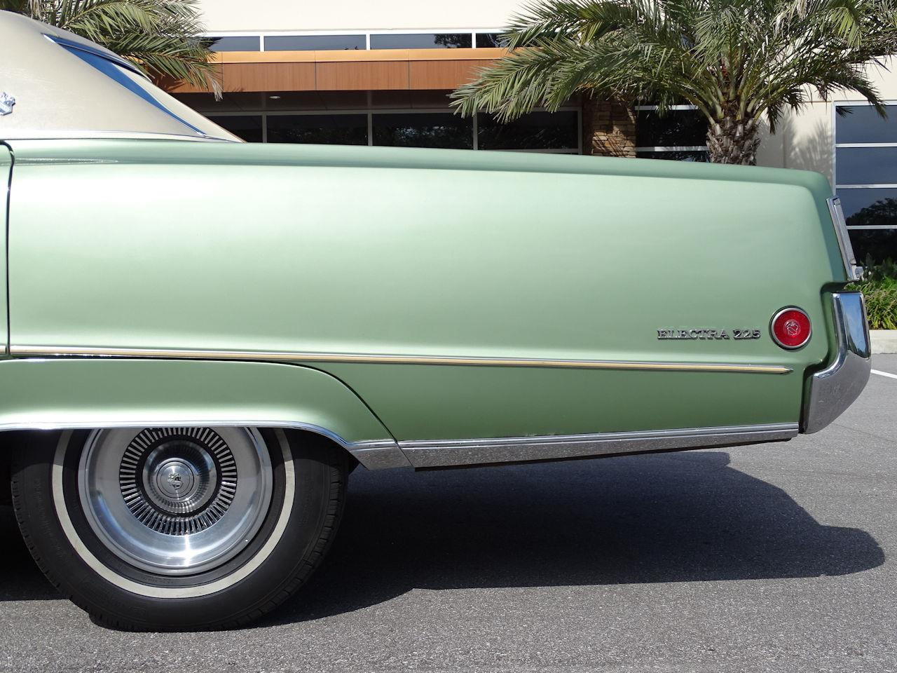 Large Picture of Classic '70 Buick Electra located in Lake Mary Florida - KE2P