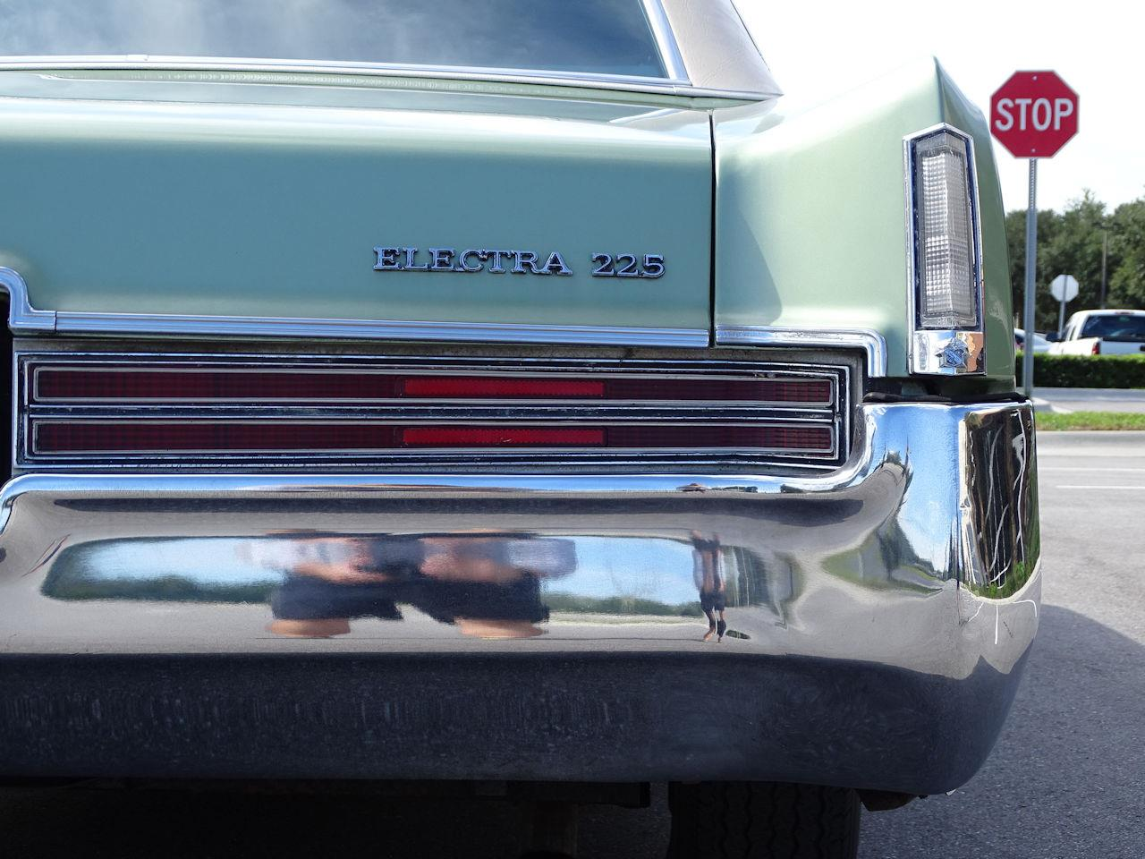 Large Picture of '70 Buick Electra - $10,995.00 Offered by Gateway Classic Cars - Orlando - KE2P