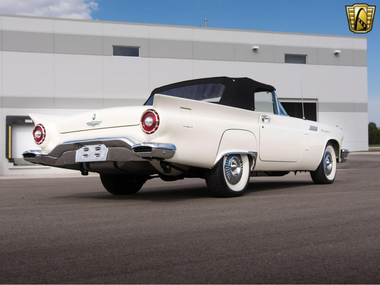 Large Picture of '57 Thunderbird - KE57