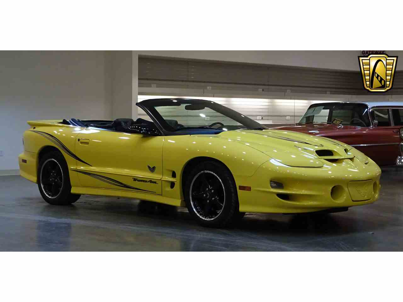 Large Picture of '02 Pontiac Firebird located in O'Fallon Illinois - KE64