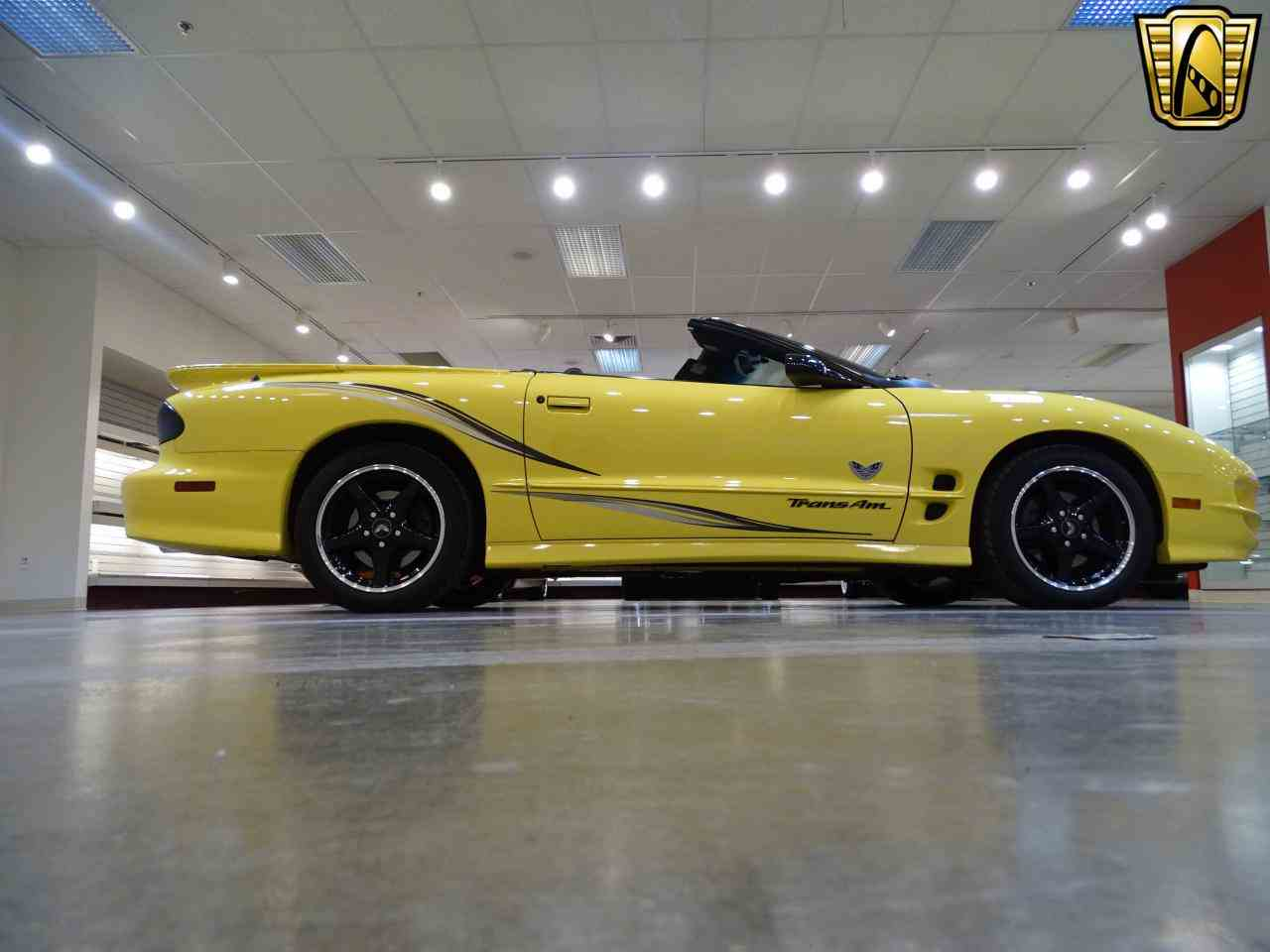 Large Picture of 2002 Pontiac Firebird located in O'Fallon Illinois Offered by Gateway Classic Cars - St. Louis - KE64