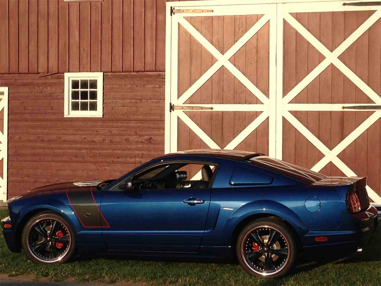 Large Picture of 2006 Ford Mustang located in Michigan Offered by a Private Seller - KD5J